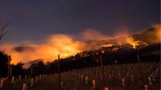 Incendio en las colinas del valle de Napa