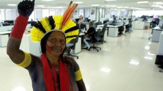 Indigenous women of different ethnic groups enter to the Health Ministry during the Indigenous Women March in Brasilia