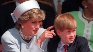 принцесса Диана и маленький принц Гарри