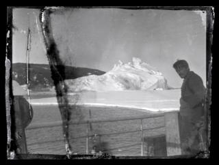 Alexander Stevens en la cubierta del Aurora