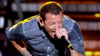 Chester Bennington performs on stage in San Diego, California (24 July 2014)