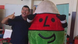 Martyn Geraint a Mr Urdd