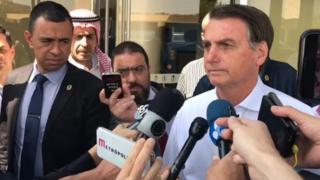 Bolsonaro concede entrevista
