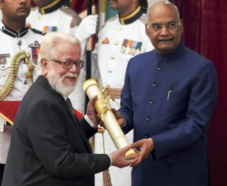 Food Nambi Narayanan with President Ramnath Kovind