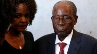 L'ex-président zimbabwéen et sa femme Grace Mugabe