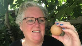 Lesley Reith with the round egg