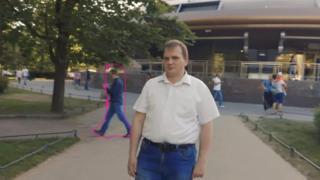ရုရှားက မျက်မမြင် လမ်းပြ