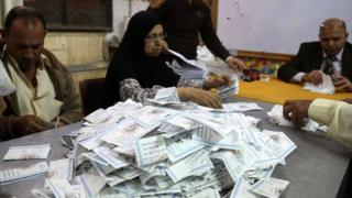 فرز الاصوات في انتخابات الرئاسة في مصر