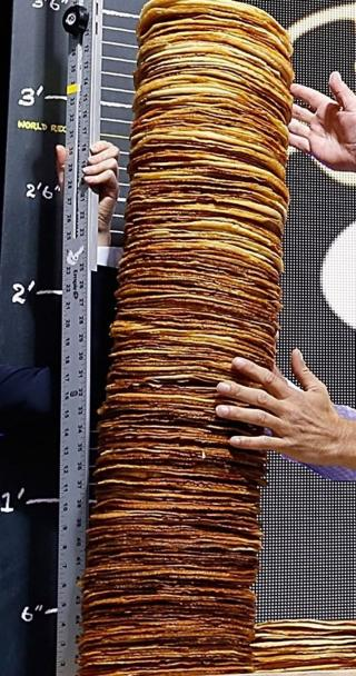 Tall-stack-of-pancakes.