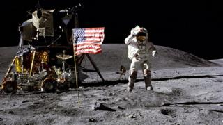 John-Young-walks-on-the-surface-of-the-Moon.