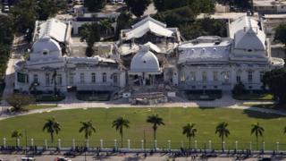 Palacio Nacional destruido