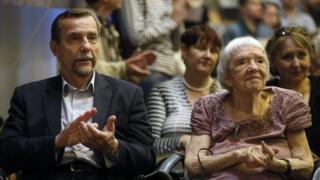 Лев Пономарев и Людмила Алексеева