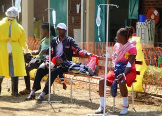 Suspected Cholera patients are being attended to at the Beatrice Infectious diseases hospital in Mbare, Harare, Zimbabwe, 11 September 2018.