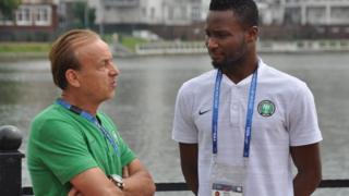 Super Eagles Coach Gernot Rohr dey plan sumtin with Captain Mikel Obi