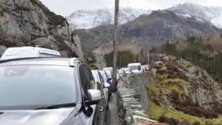Parked cars on the A5 in the Ogwen Valley