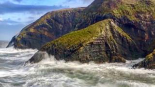 Storm Brian hits Ceibwr Bay in Pembrokeshire
