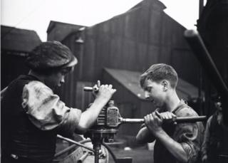 Shipbuilding apprentices, Tyneside