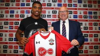 Formé à Lorient puis passé par l'OM et la Juventus, il s'est dit heureux de rejoindre le club anglais.