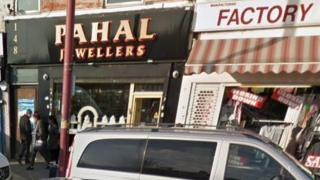 Jewellers targeted by robbers