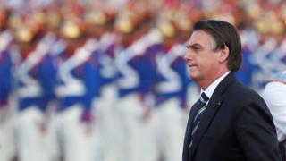 Presidente Jair Bolsonaro em cerimônia para marcar Dia do Exército, em 17 de abril