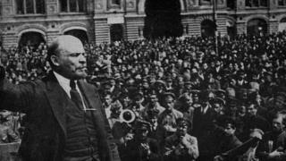 """列宁向""""红军""""发表演说"""