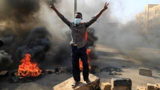 Protester against arrests demonstrates in Khartoum