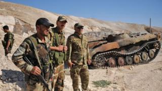 Suriye ordusuna bağlı birliklerin Türkiye sınırı boyunca 15 gözlem noktasına konuşlandırılacağı belirtildi.