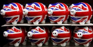 Alcancías con la bandera británica