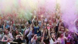 """Фестиваль красок """"Холи"""""""