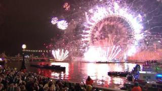 ودع العالم عام 2018 ورحب بعام 2019 بالاحتفالات. وأبرز ما في تلك الاحتفالات هي الألعاب النارية والجماهير الكبيرة.
