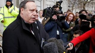 Nigel Dodds and other DUP MPs outside the Cabinet Office