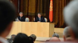 Алмазбек Атамбаев Орусияда жашаган кыргызстандыктар менен жолугушту