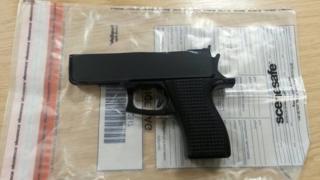 Imitation pistol