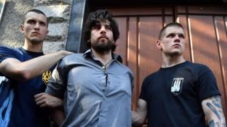 O brasileiro Rafael Marques Lusvarghi detido por nacionalistas ucranianos