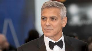 George Clooney dey film di six-part drama Catch 22 wey e take get di accident