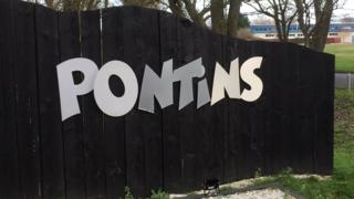 Pontins Pakefield: Company accused of 'pushing out families' thumbnail