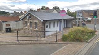 Brecon bus station toilets