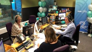 dafydd a caryl ar radio cymru 2