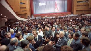 XIX Всесоюзная партконференция (28 июня - 1 июля 1988 года): в перерыве между заседаниями