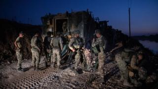 نیروهای پیاده نظام ارتش ترکیه برای ورود به سوریه آماده می شوند