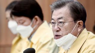 《疫情在韩国:新天地、弹劾文在寅与假新闻》