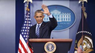 12月16日,奥巴马在白宫举行了今年最后一次记者会后向大家挥手告别。