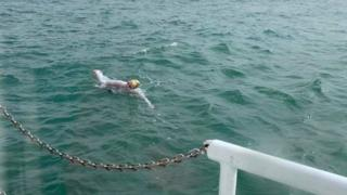 Sarah Thomas swimming in the English Channel
