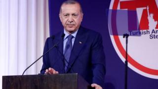 Cumhurbaşkanı Recep Tayyip Erdoğan kürsüde
