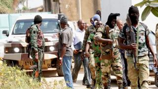 Mutinous soldiers in the streets of Bouake, Ivory Coast