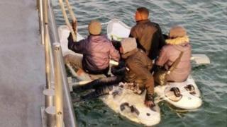 Migrants aboard windsurfing boards - 10/6/20