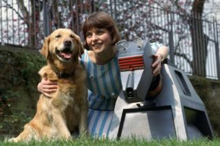 Janet Ellis with Goldie the dog and K9 from Doctor Who