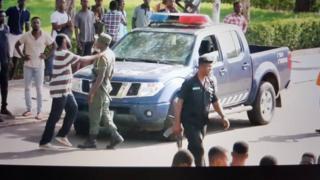 Ghana students holding off policemen