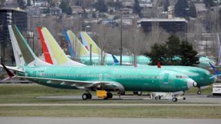 Самолеты Boeing 737 Max, предназначенные для китайских авиалиний, стоят на площадке сборочного завода компании в штате Вашингтон