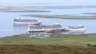 Cruise ships in Orkney